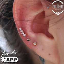 Super cute mid helix with a _bodygems pe