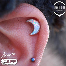 Well healed helix that we swapped for this new _bodygems moon which is a perfect fit! #app