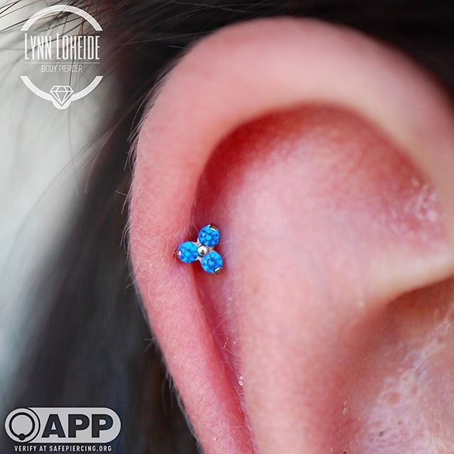 Dainty and adorable helix with a _neomet