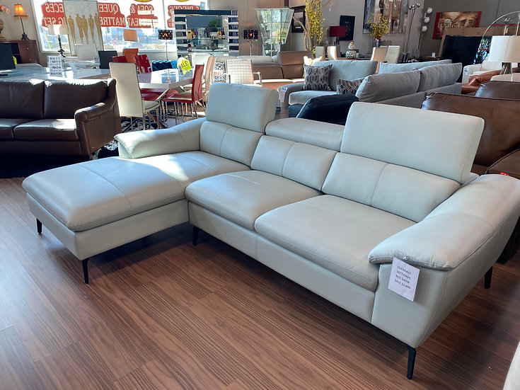 MAGLUV SECTIONAL