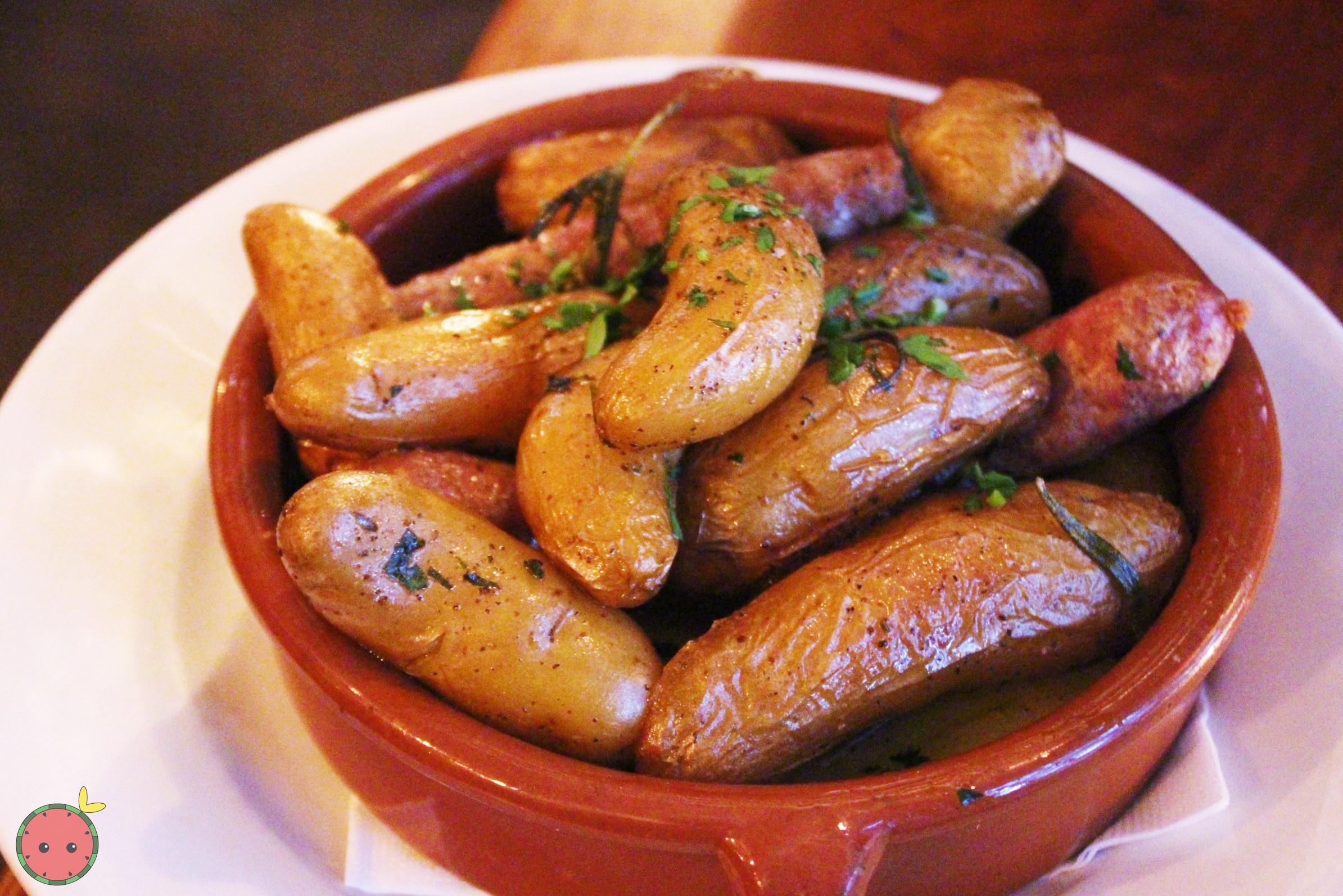 Salsiccia E Patate - oven roasted 100% italian pork sausages, rosemary, garlic, roasted potatoes