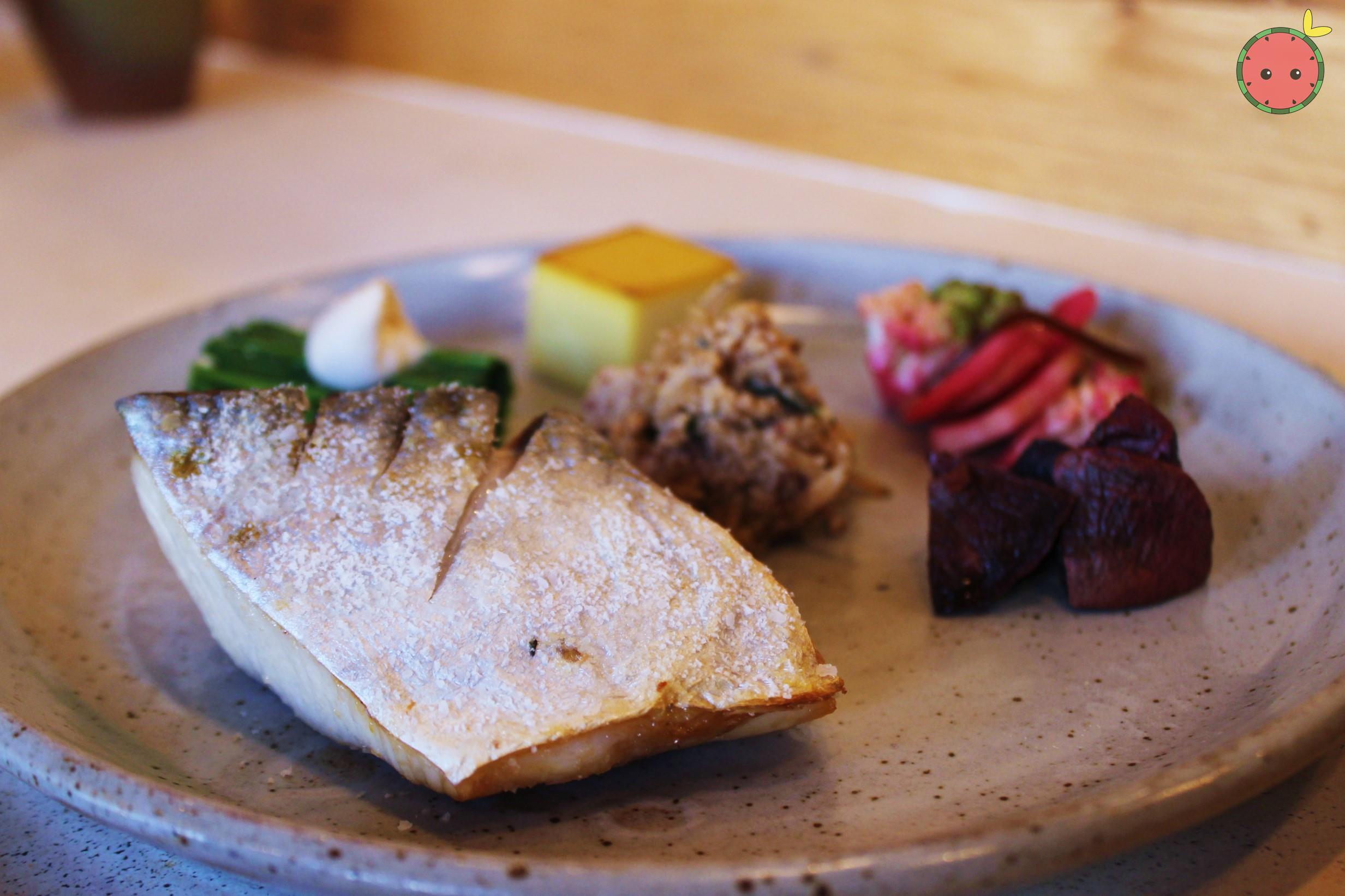Spanish mackerel shioyaki