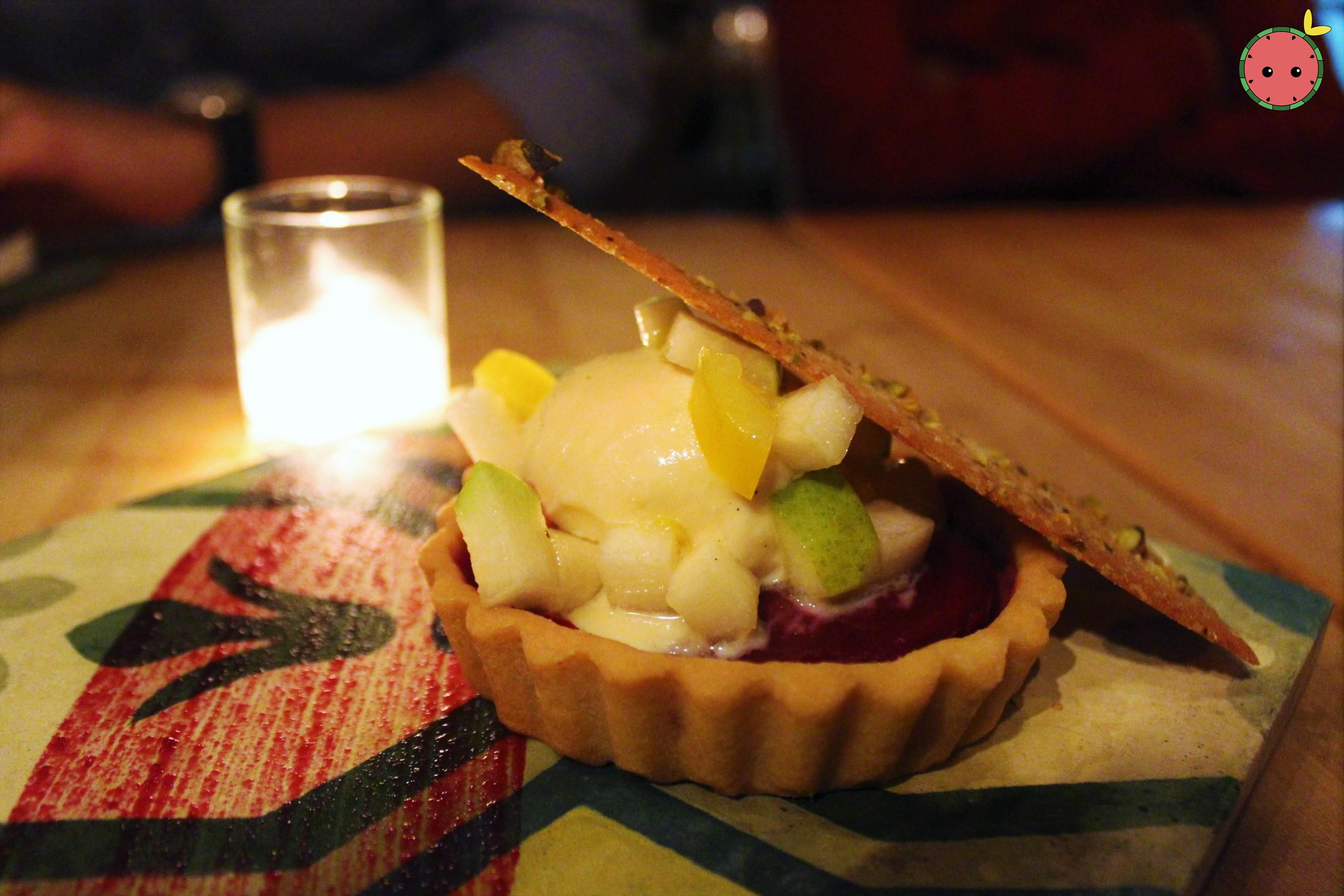 Dessert tart with ice cream