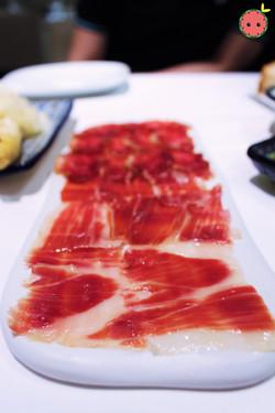 Cured ham and loin of Iberian acorn-fed pork (2)