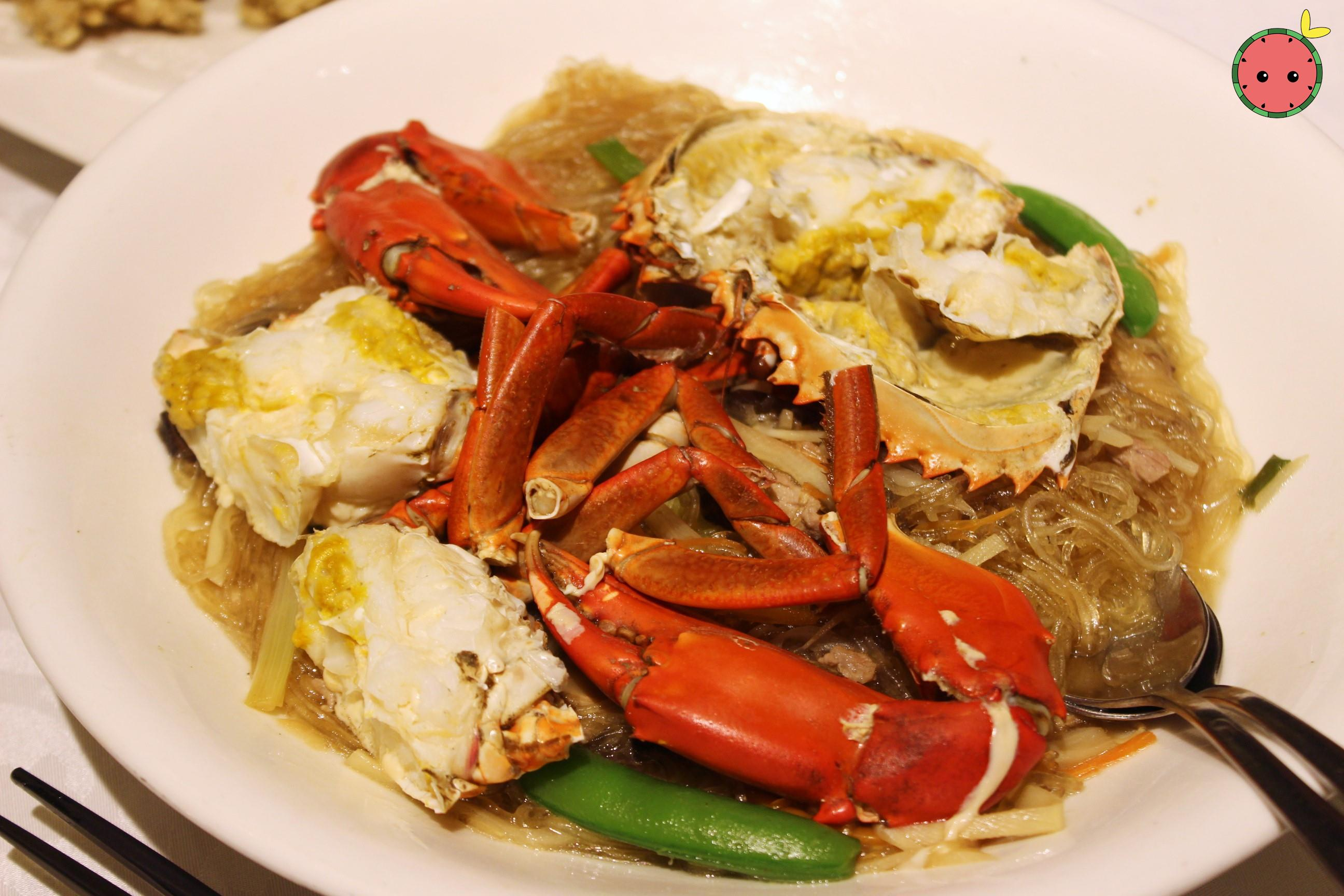 Wok-Seared Fresh Crab on Bean Thread Noodles 蟳仔冬粉