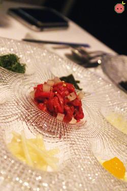 Gu Jeol Pan - Beef tartare with crispy seaweed and toppings