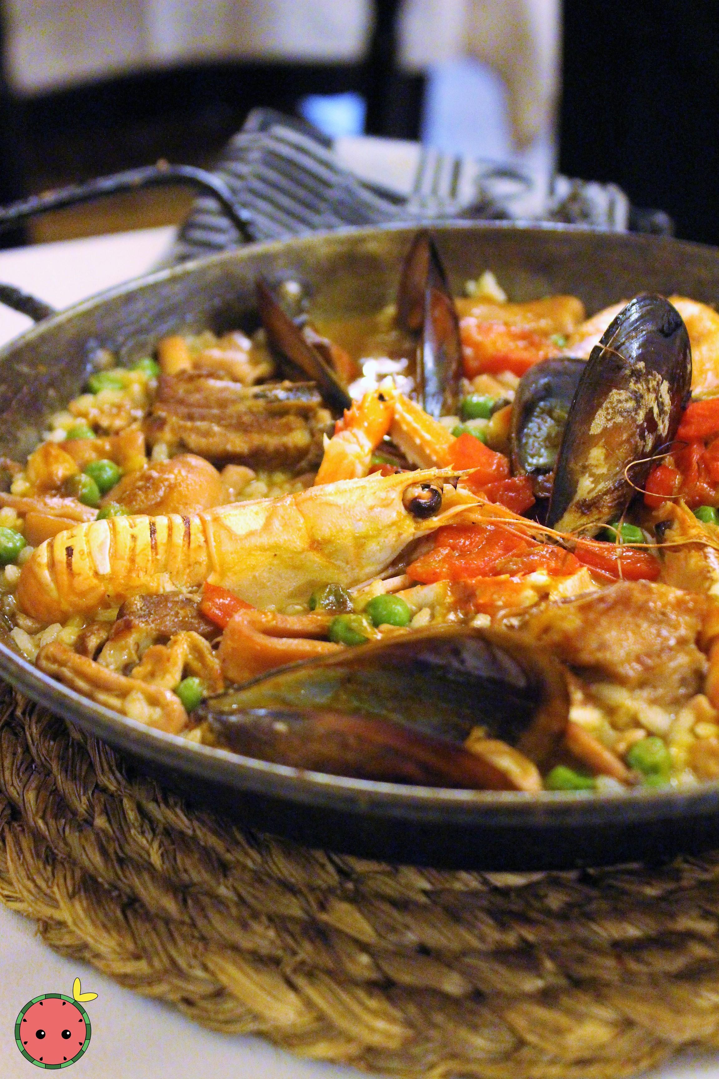 Paella Especial (Fish & Meat)