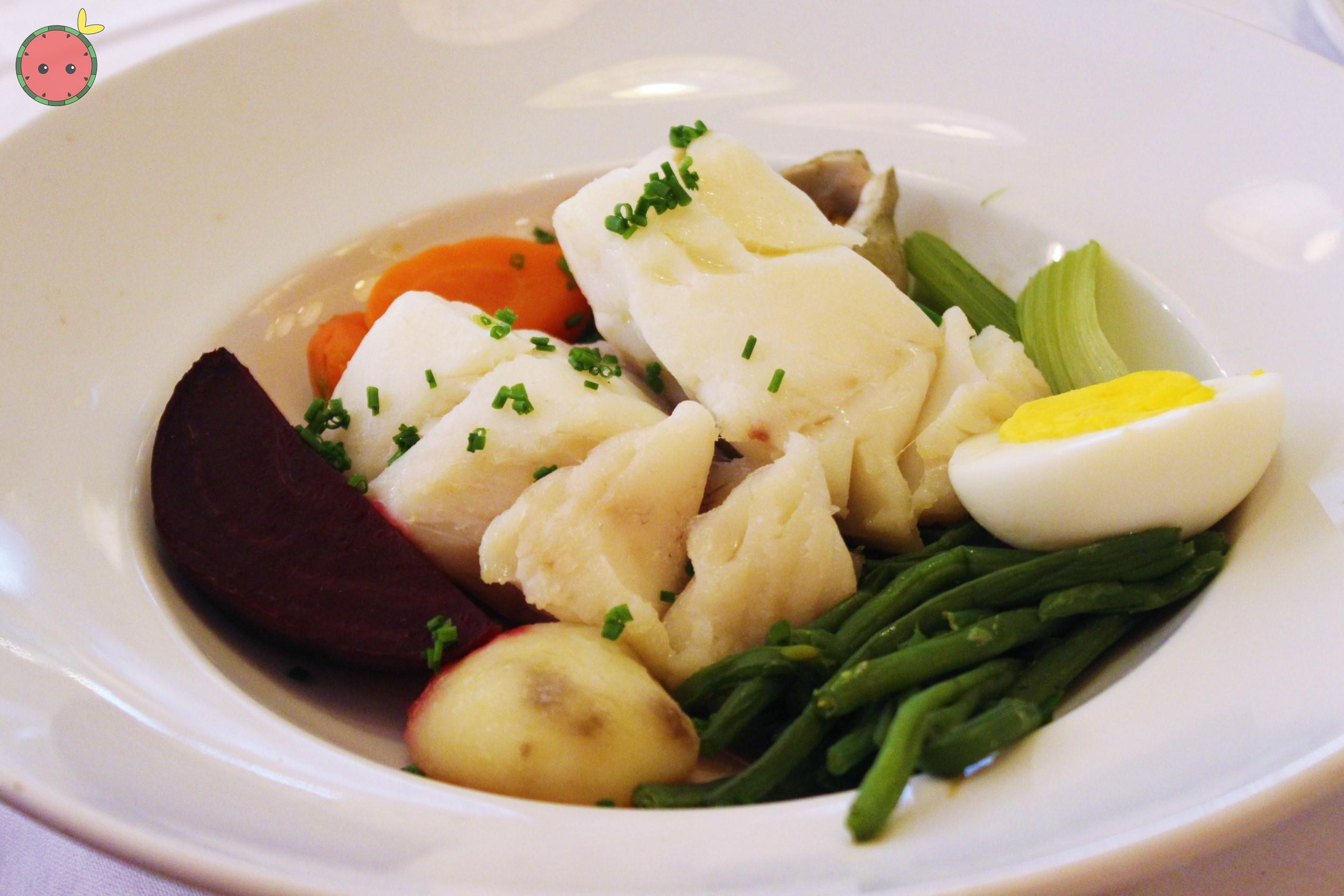 Steamed_wild_cod_with_vegetables_and_aïoli
