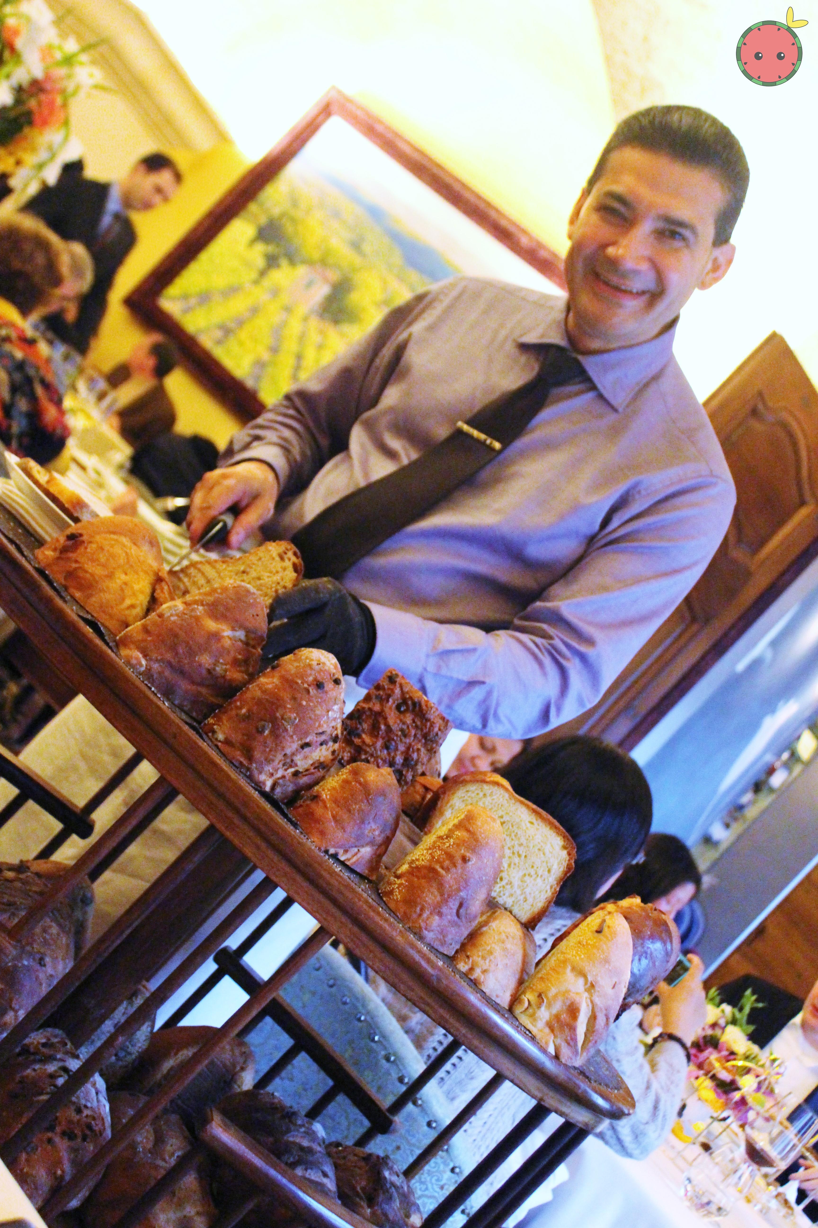 A wonderful man with bread!