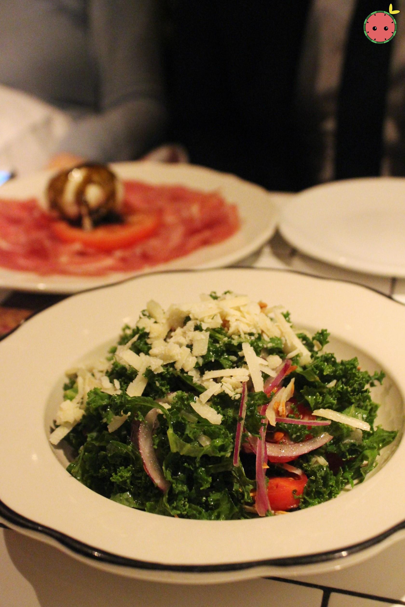 Pecorino e Kale - Pecorino, organic kale, lemon vinaigrette, almonds