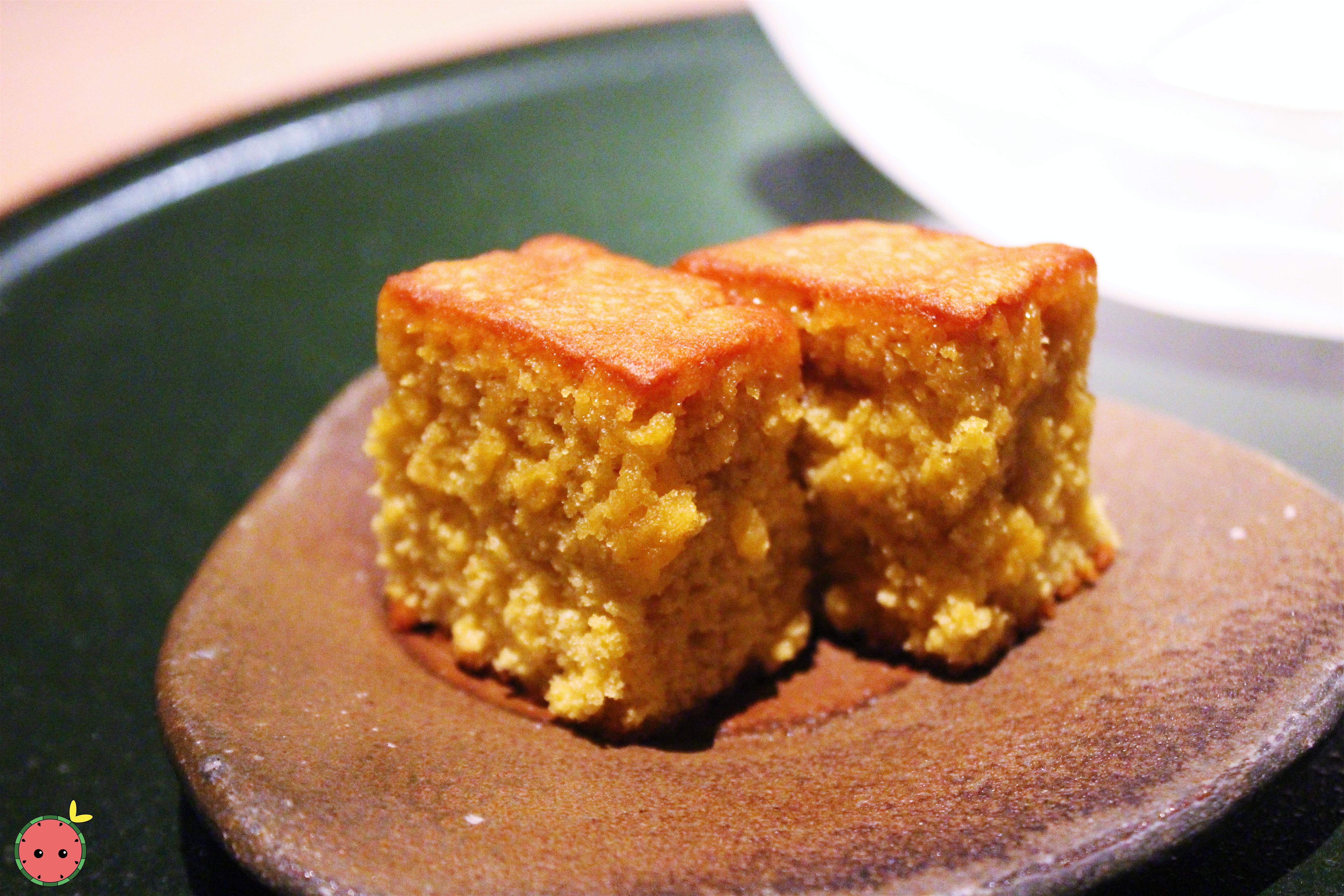 Castella cake (Japanese honey cake)
