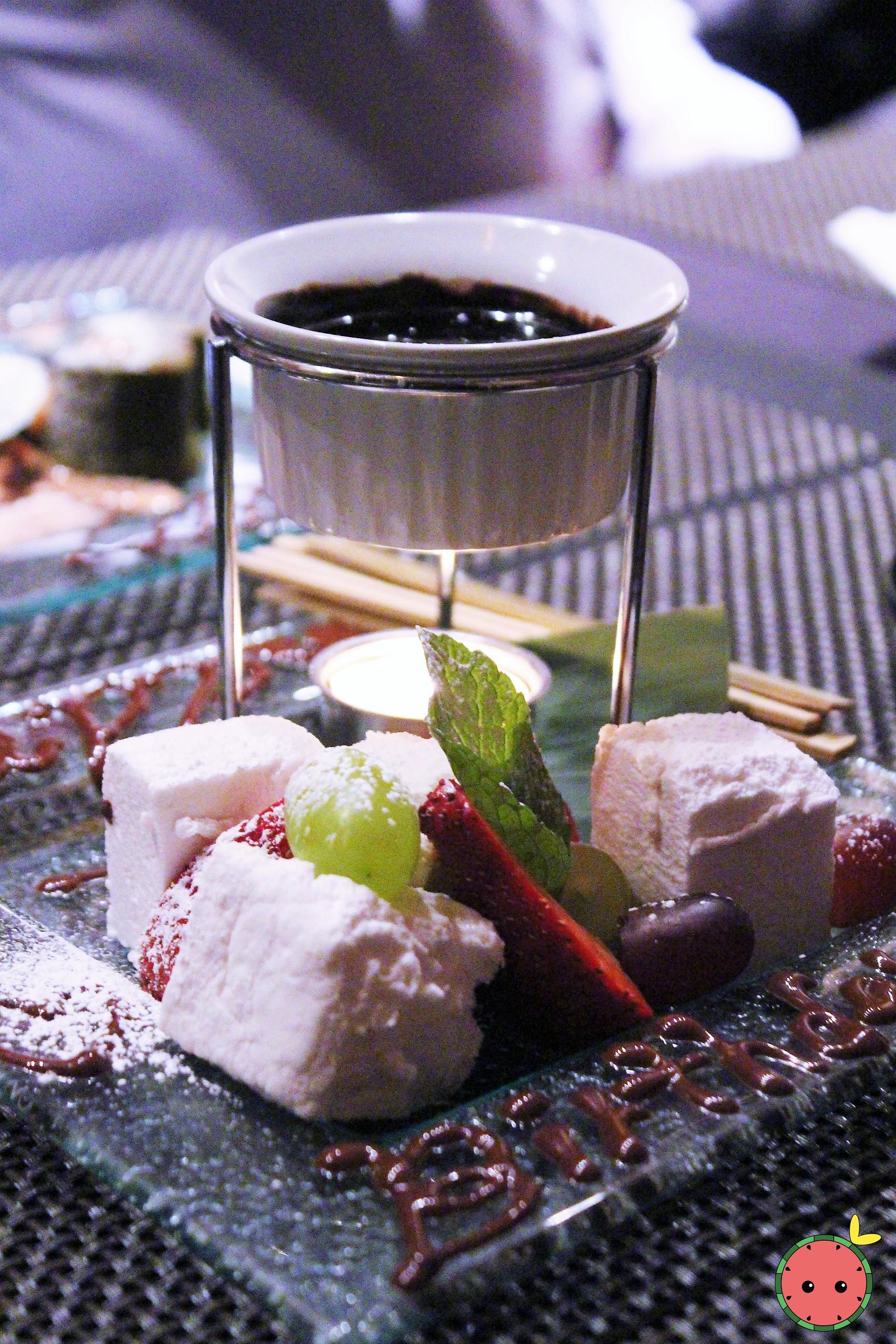 Marshmallow Chocolate Fondue