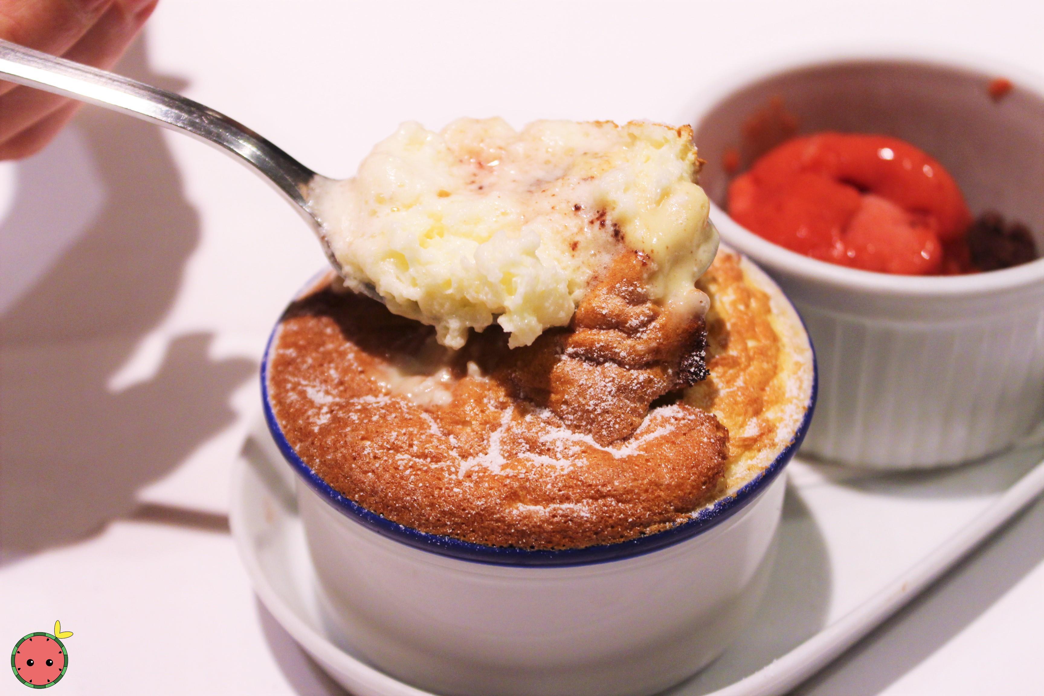 Cream_cheese_soufflé_with_raspberry_ice_cream_(3)