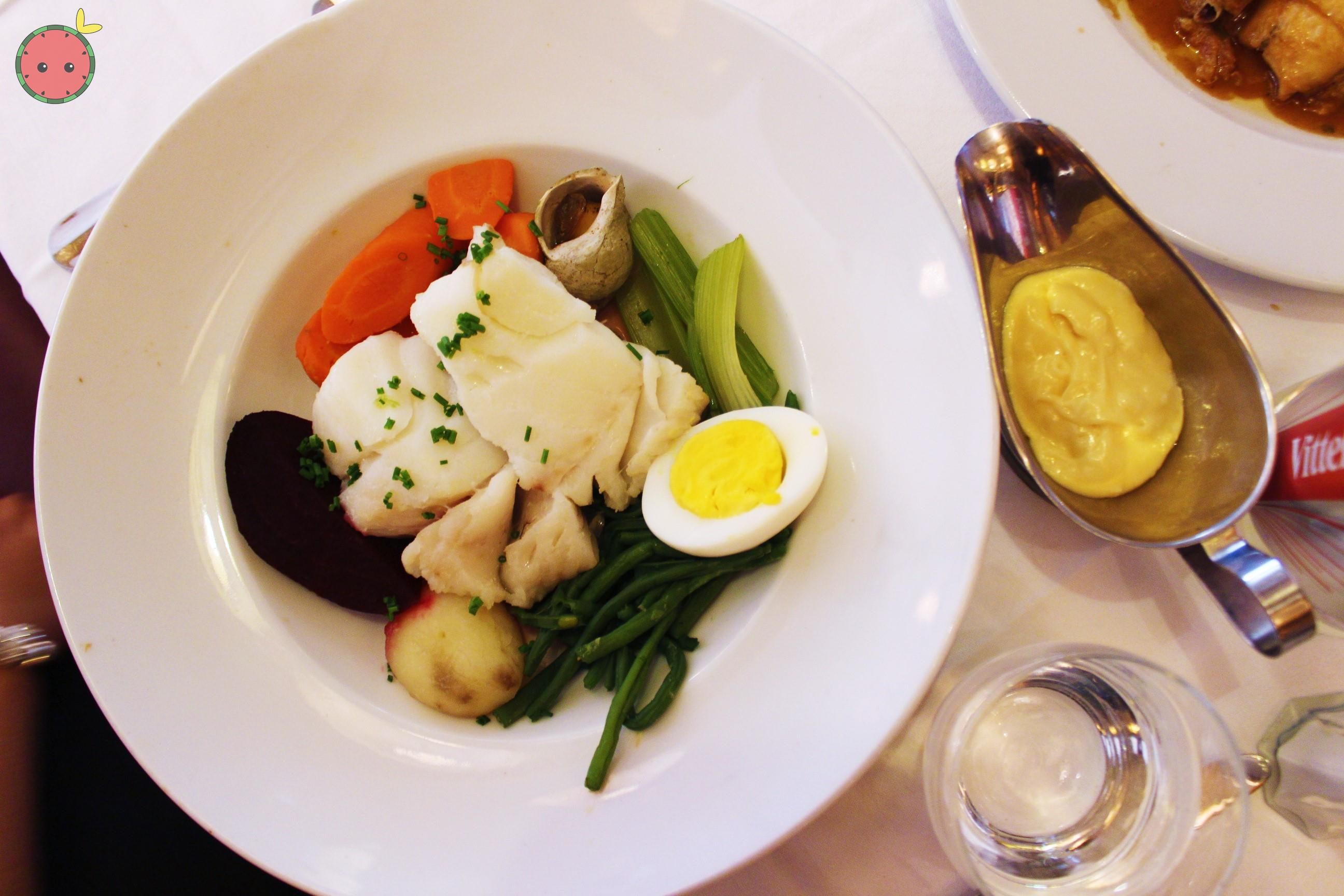 Steamed_wild_cod_with_vegetables_and_aïoli_2