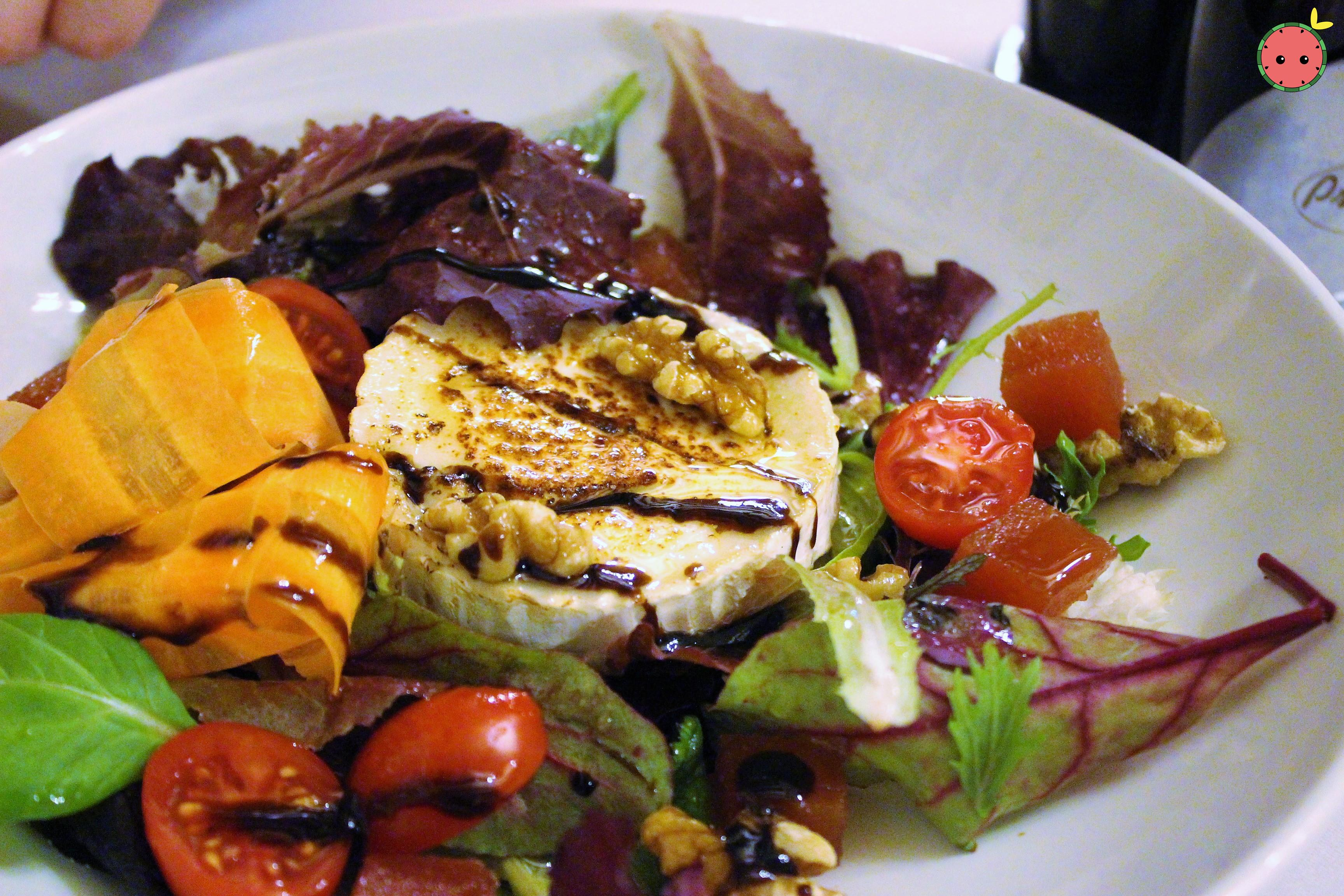 Goat Cheese Salad and Quince with Honey Sauce
