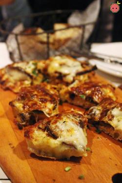Bruschetta Funghi e Montasio - Mushroom bruschetta with montasio cheese