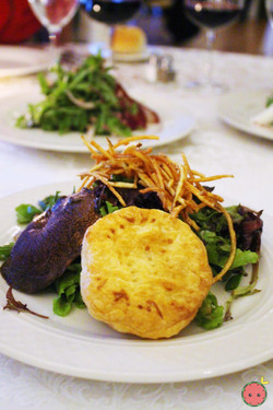 Mixed green with warm baked goat cheese, portobello mushrooms, and balsamic vinaigrette