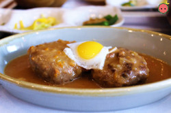 Hamburger Steak with Quail Egg