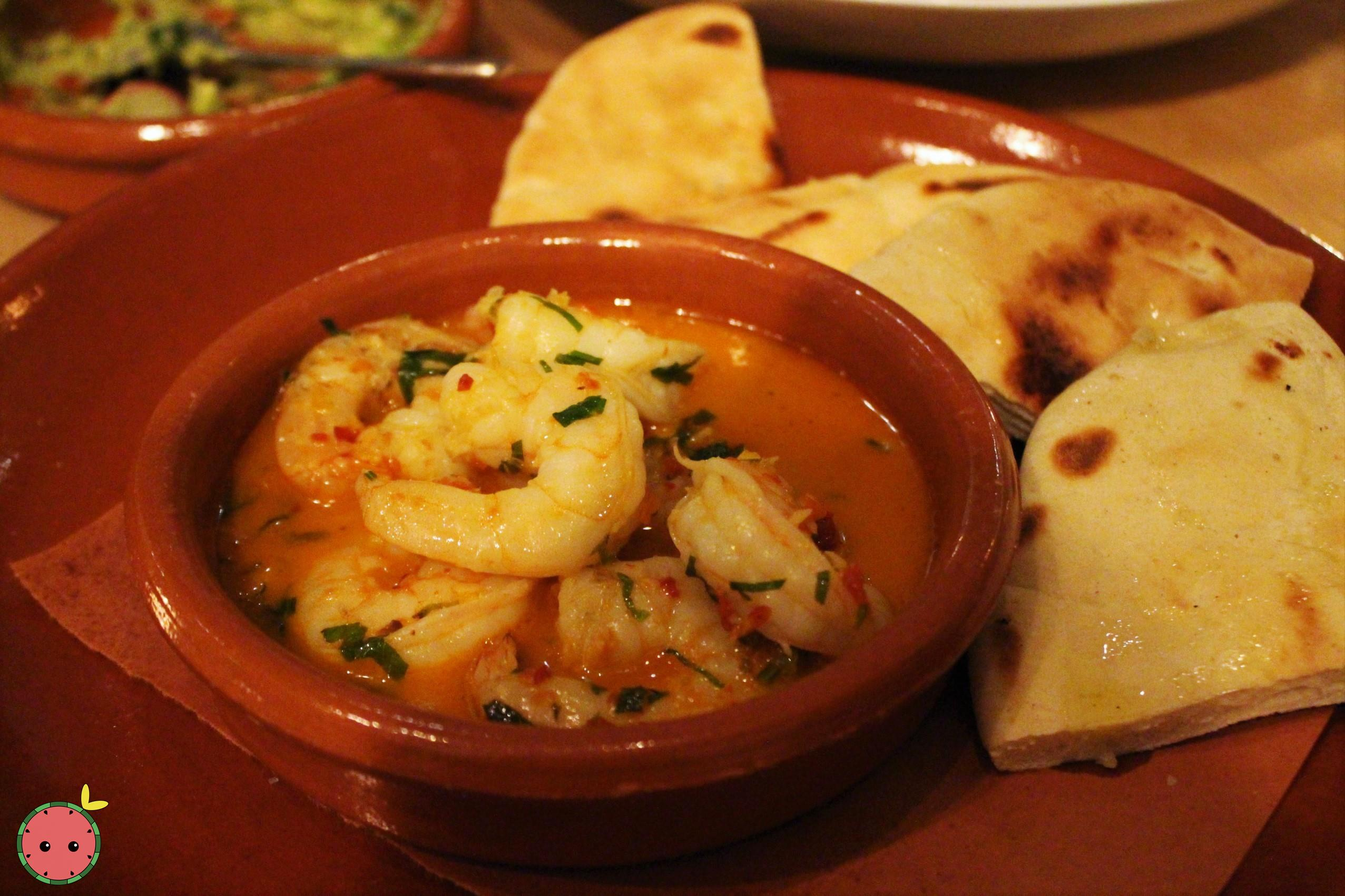 Gambas - Sautéed shrimps, garlic, chile de arbol and olive oil (with pita bread)