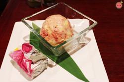Fukuoka mochi cake with Amaou strawberry ice cream