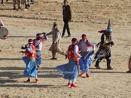 Danseurs du festival du sahara de Douz.