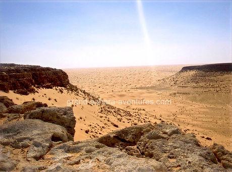 Monatgne Tembaine, dans le désert Tunisien