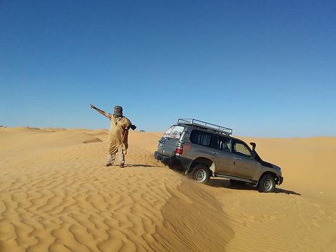 Excursion dans désert de Tunisien