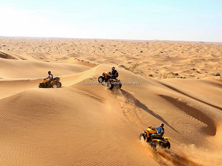 Départ de Djerba,quad à Douz dans le désert tunisien. jpg