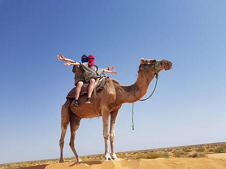 Excursion Djerba Tunisie, balade en dromadaire à ksar Ghilane