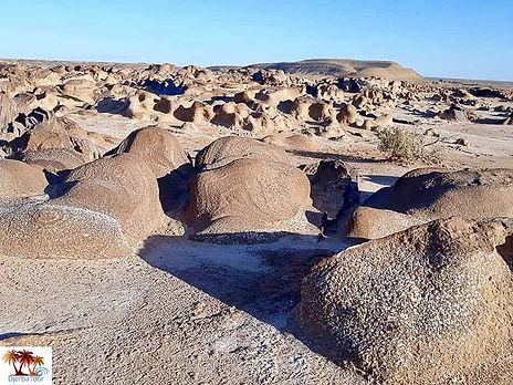Excursion de Djerba à Ain Charchara, les paysages lunaires. jpg