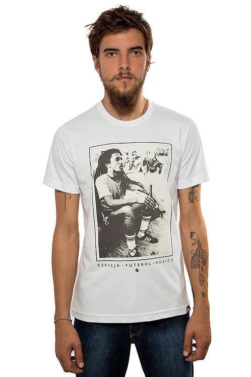 Camiseta Cerveja, Futebol e Música Branca