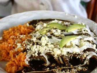 The Kitchen Diva's Vegetarian Bean and Cheese Mole Enchiladas