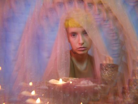 Correio Braziliense I Natália Carreira lança 'Vênus em fogo', faixa do primeiro álbum
