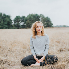 Meditatie: Verzachten in verdriet, door Anniek van De Rustclub