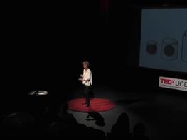 TEDx Talk: Verdriet, het is ingewikkeld. 10% van de tijd