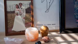 3 tips voor het maken van een huisaltaar ter herinnering aan je overleden dierbare