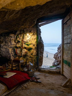 Cave-life-living-in-a-cave-Morocco-navig
