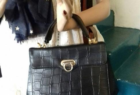 Sac à main rétro vintage noir Vintage black retro handbag