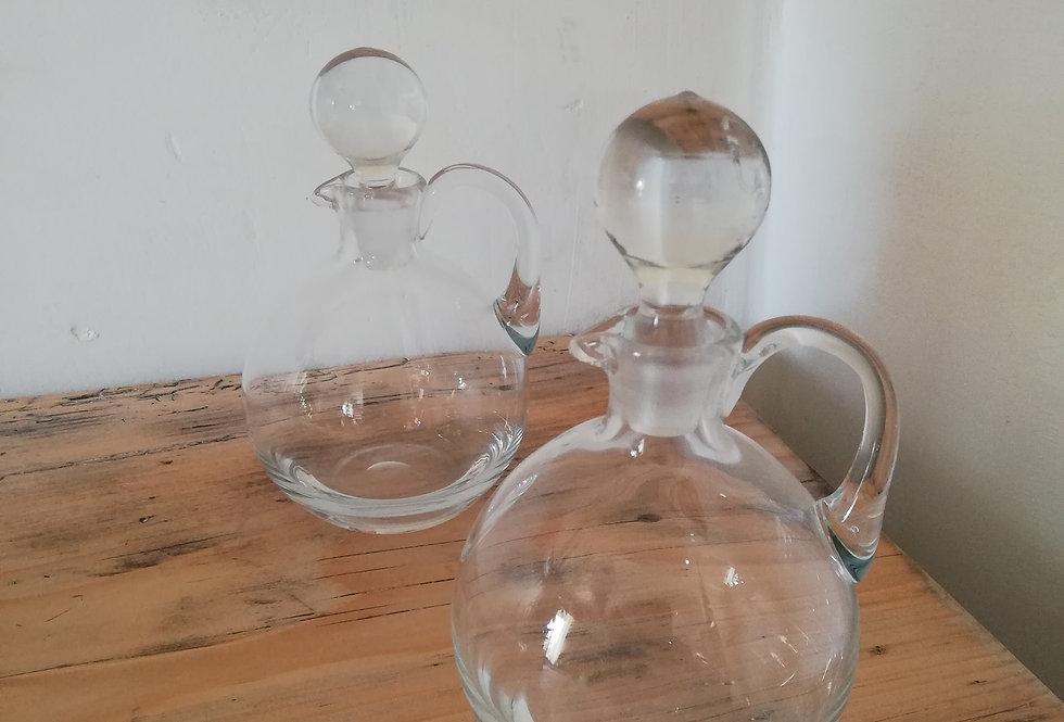 Deux jolies Fioles en verre soufflé
