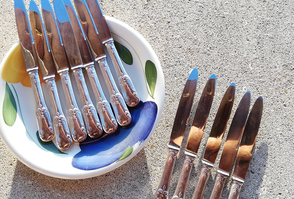 12 couteaux anciens