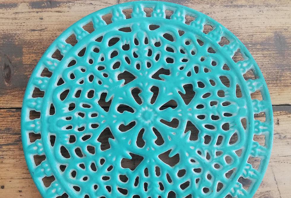 dessous de plat vintage en fonte turquoise