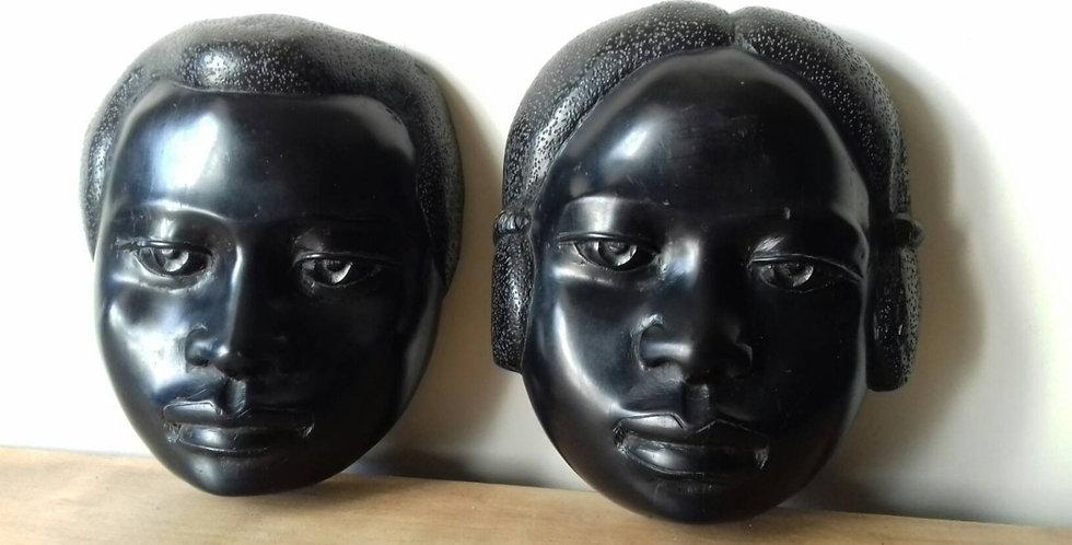 Masques/ sculptures en bois d'ébène