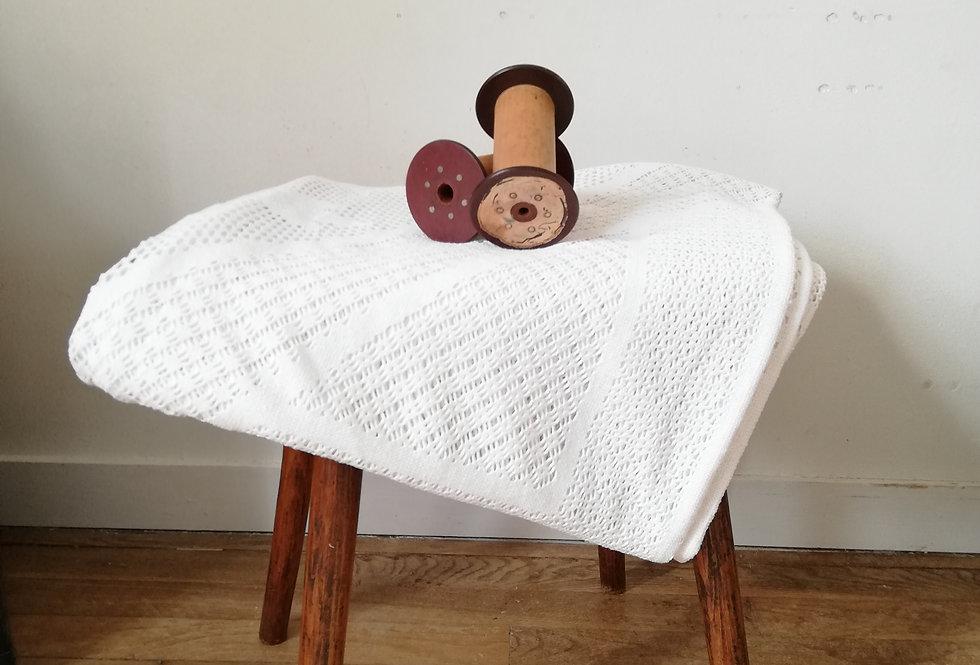 Plaid ou nappe ouencore rideau