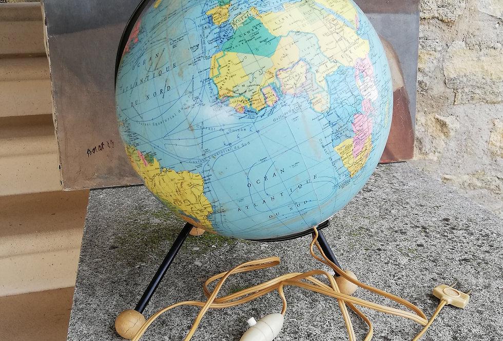 Gros globe mappemonde