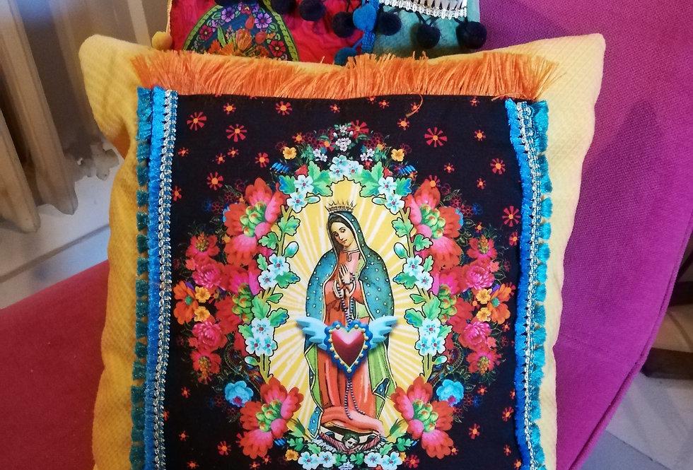 coussin neuf bohémian style vierge marie