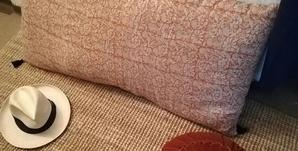 Joli coussin, pouf vintage