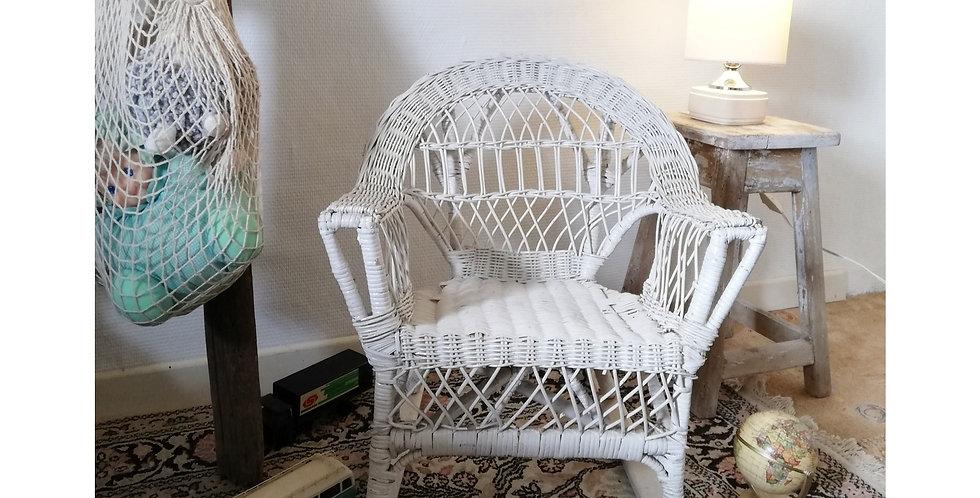 rocking chair en osier enfant