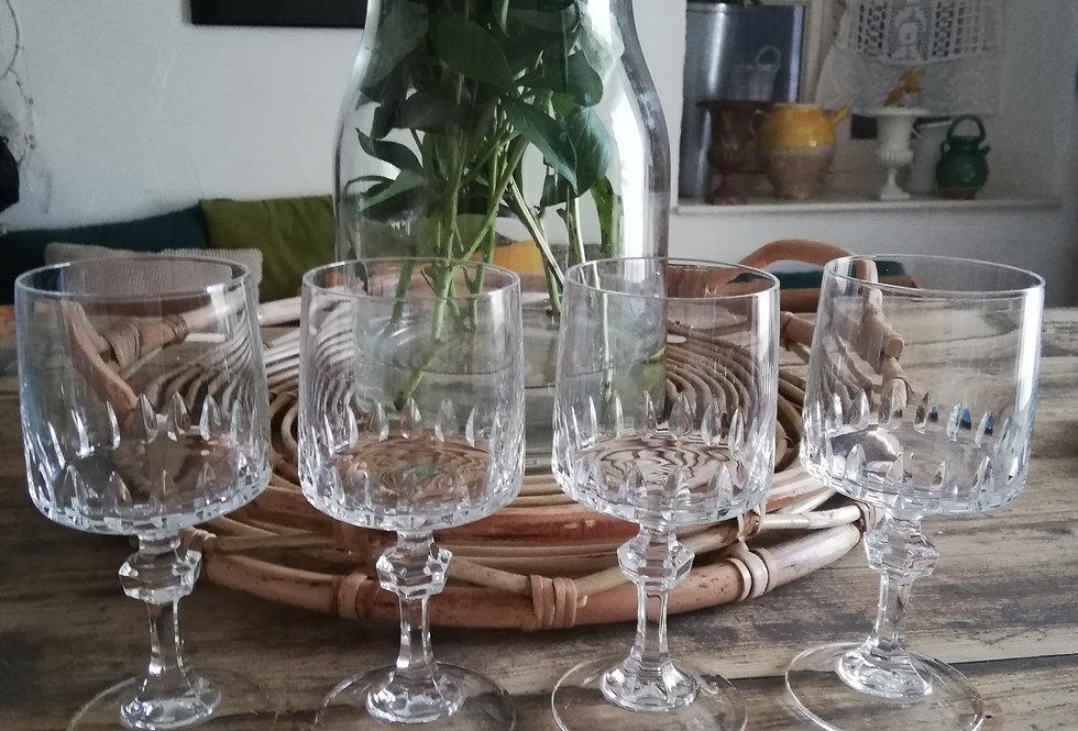 4 verres à pieds en cristal