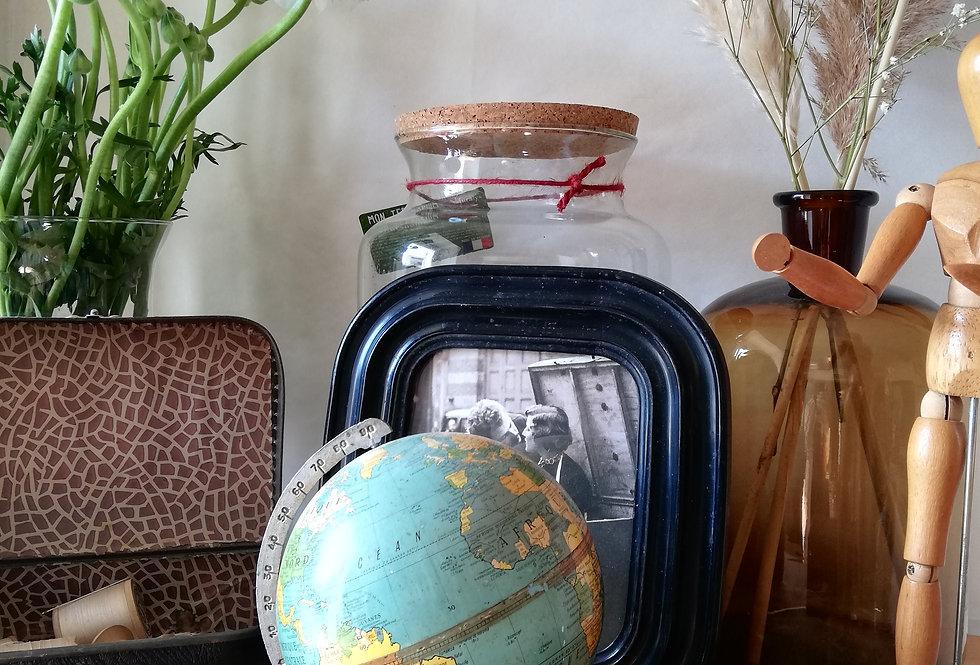 Globe terrestre mappemonde en tôle