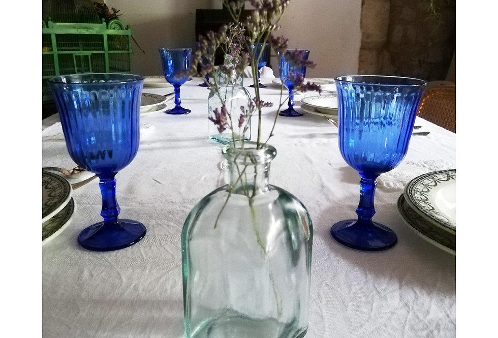 6 verres à pieds de couleur bleu nuit